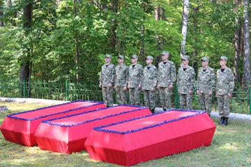 перезахоронение останков воинов, Великий Бор, фото
