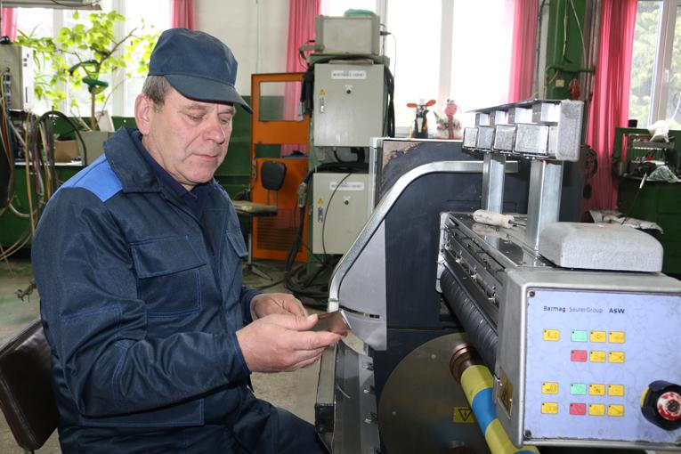 слесарь-ремонтник ПЦ № 3 Анатолий БОГДАНОВИЧ, фото