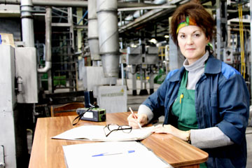Наталья Шпакова, аппаратчик карбонизации цеха УВМ, фото