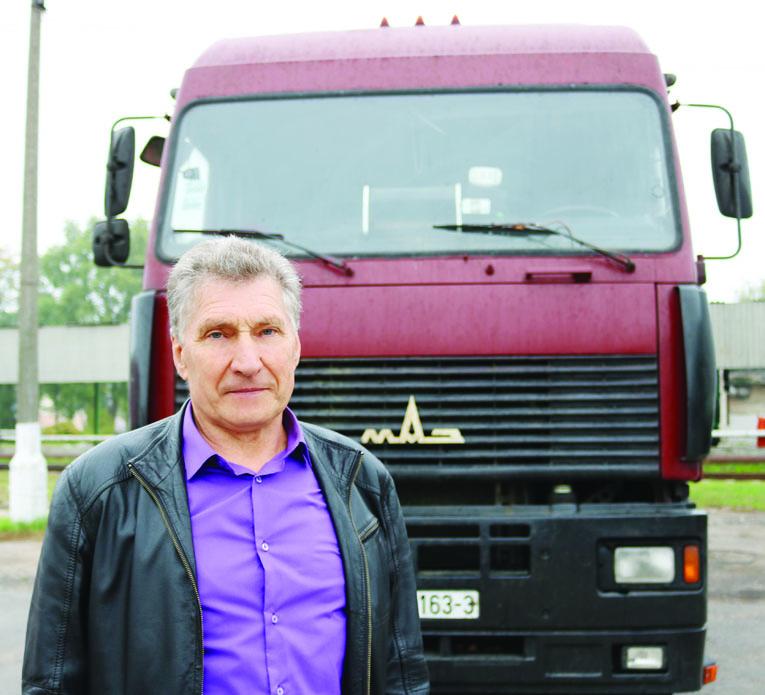 водитель Унитарного Предприятия «СохимТранс» Михаил КУЗЬМЕНКО , фото