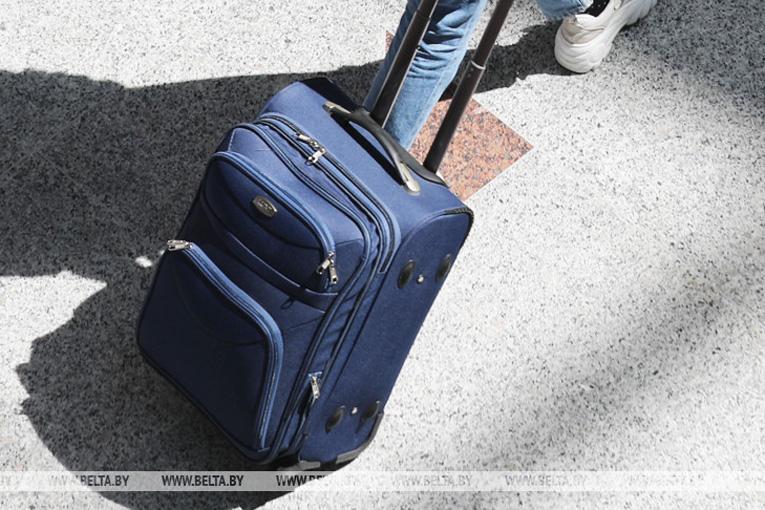 Беларусь вводит ограничения в правила выезда из страны в связи с коронавирусом, фото