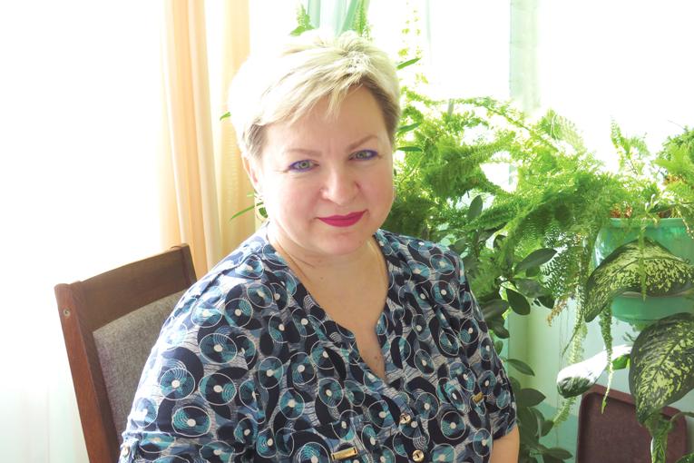 Светлана Кукреш, оператор дистанционного пульта управления цеха горячей вытяжки и текстурирования завода полиэфирной текстильной нити, фото