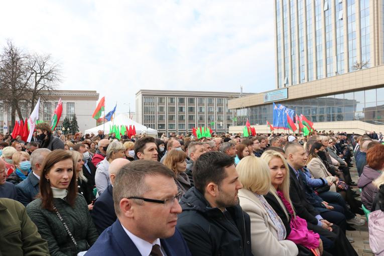 "областная доска почета, ОАО ""СветлогорскХимволокно"", фото"