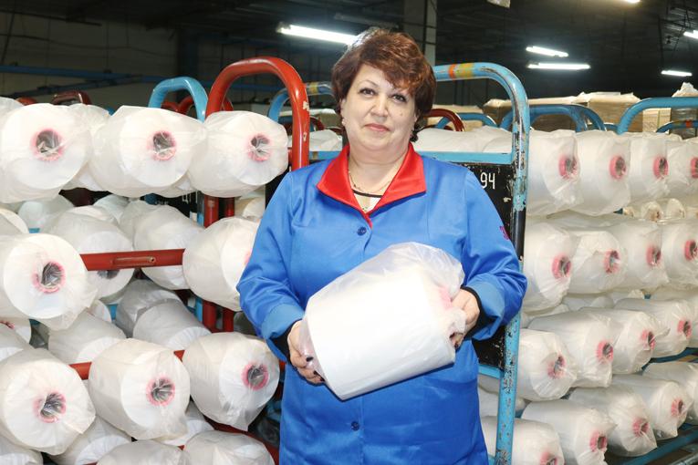 комплектовщик 4 разряда сортировочно-упаковочного цеха Людмила СТУКАЧ, фото